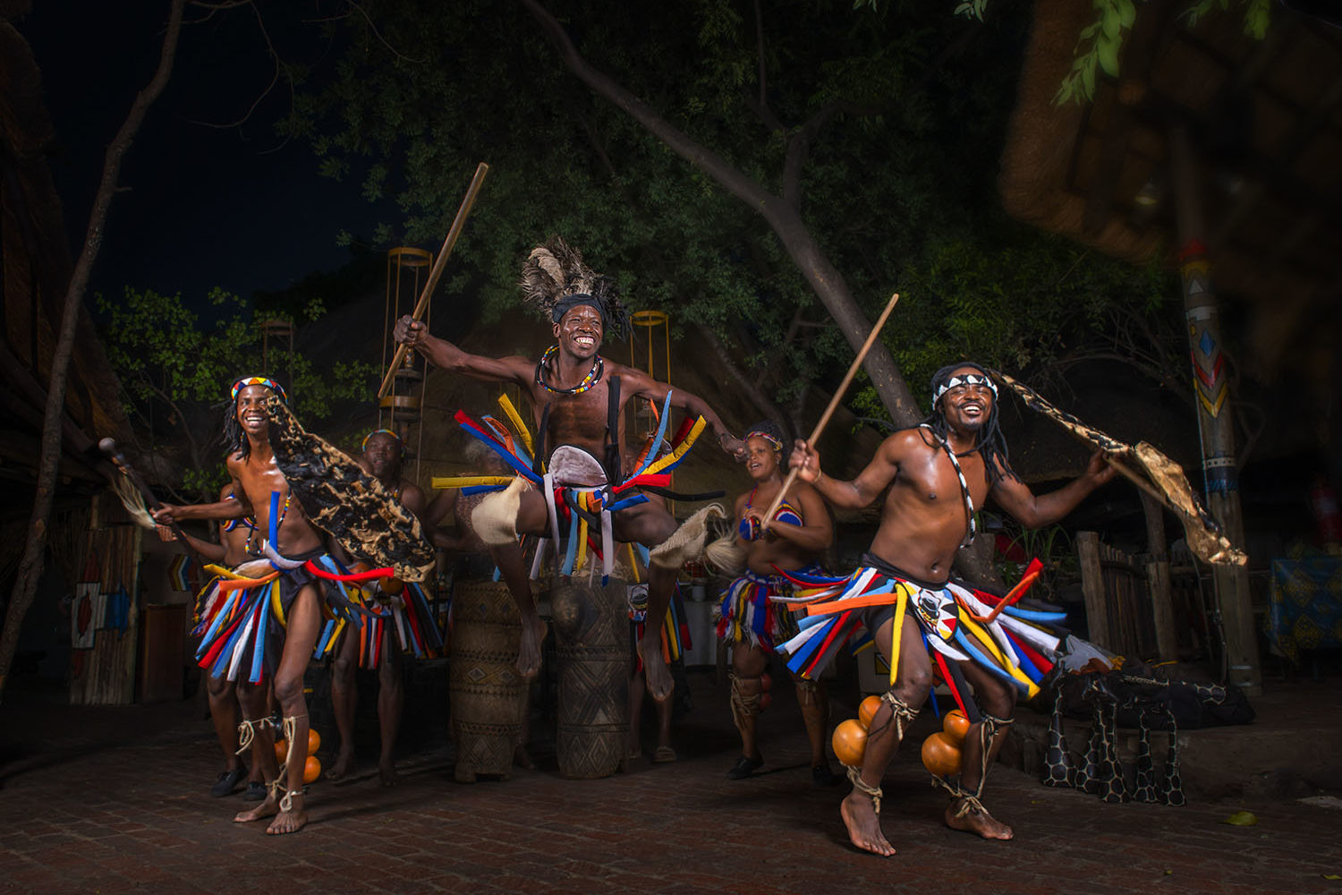 victoria falls safari lodge zimbabwe-lodges-accommodation-vic-falls-africa-albida-dancers-at-the-boma-dinner-drum-show