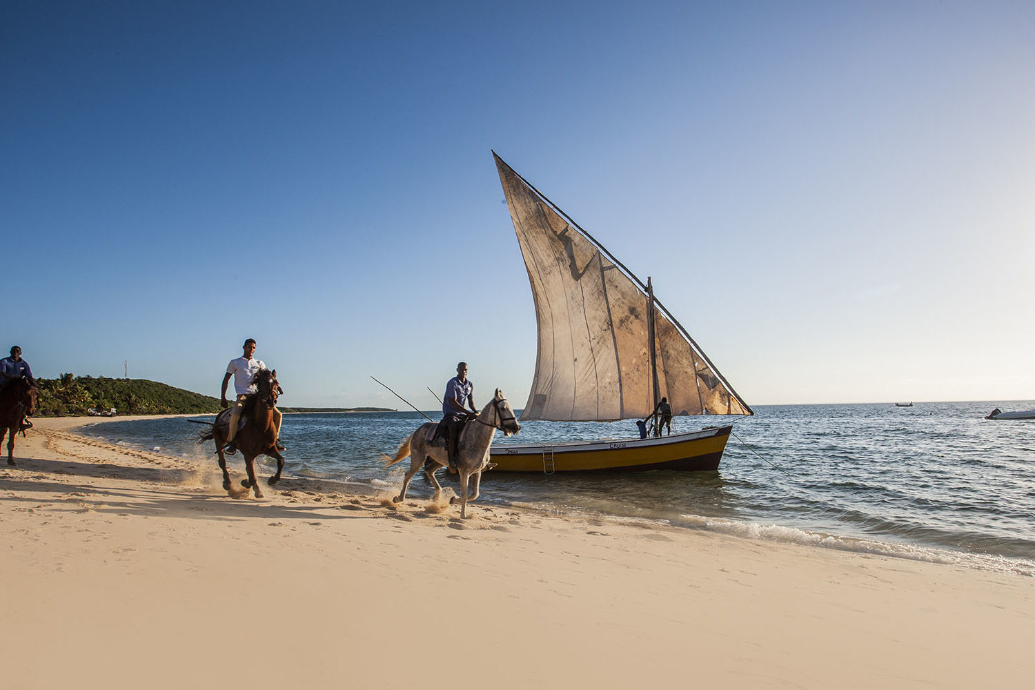 anantara bazaruto mozambique-lodges-zambia-in-style-activities-beach-horse-riding