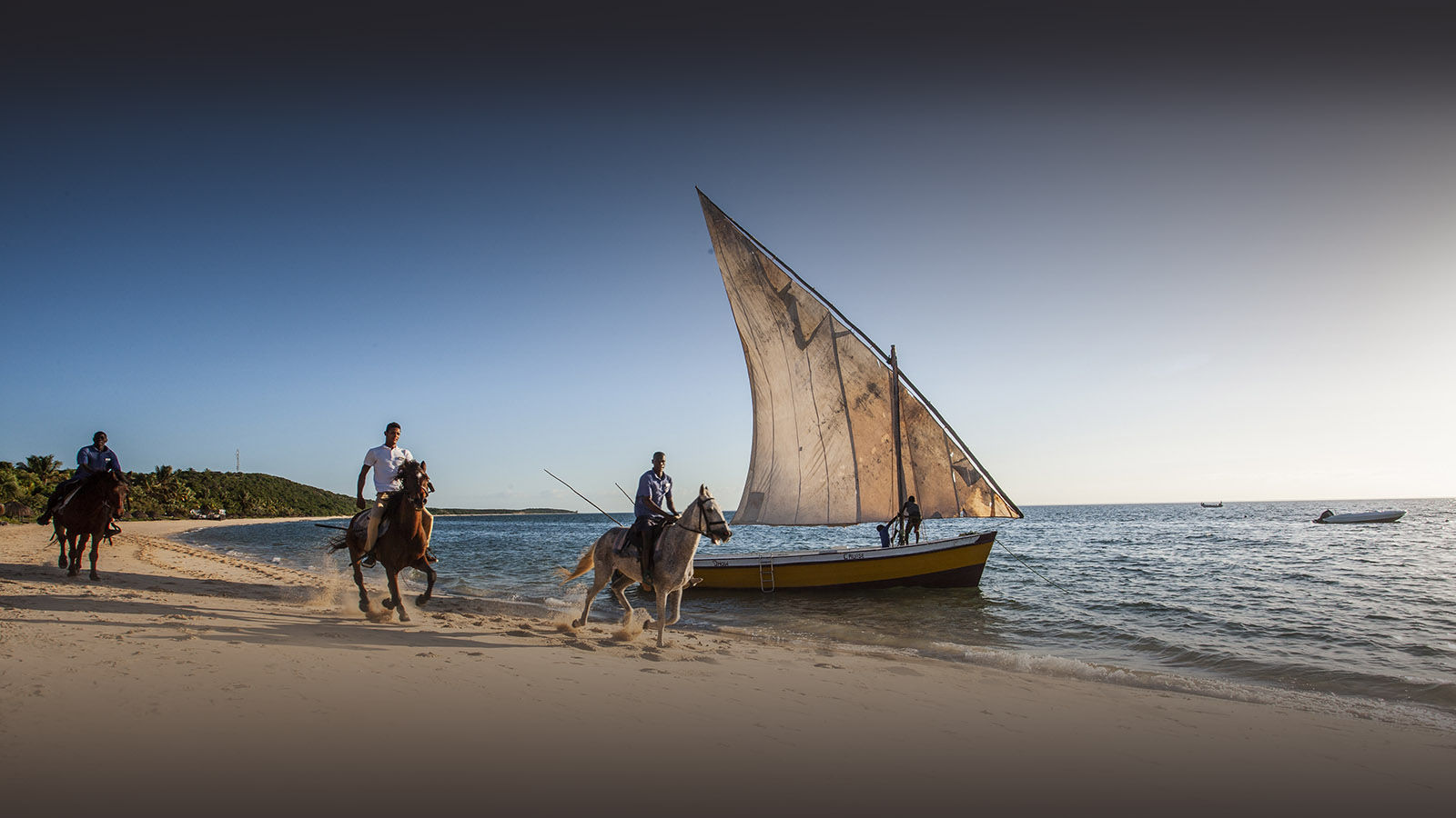 anantara bazaruto mozambique-lodges-zambia-in-style-luxury-bazaruto-island-horse-riding