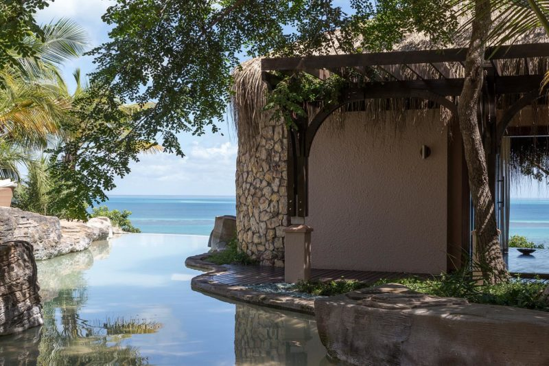 anantara bazaruto mozambique-lodges-zambia-in-style-luxury-villas-bazaruto-island-pool-views