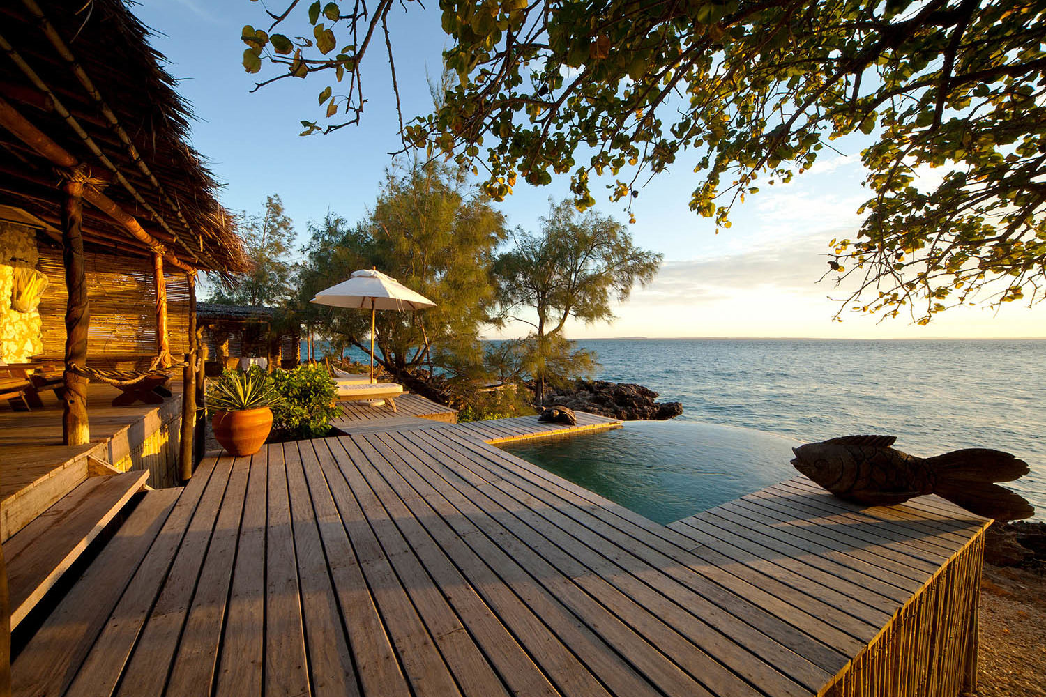 azura quilalea mozambique-lodges-zambia-in-style-quirimbas-archipelago-the-villas-deck-and-plunge-pool