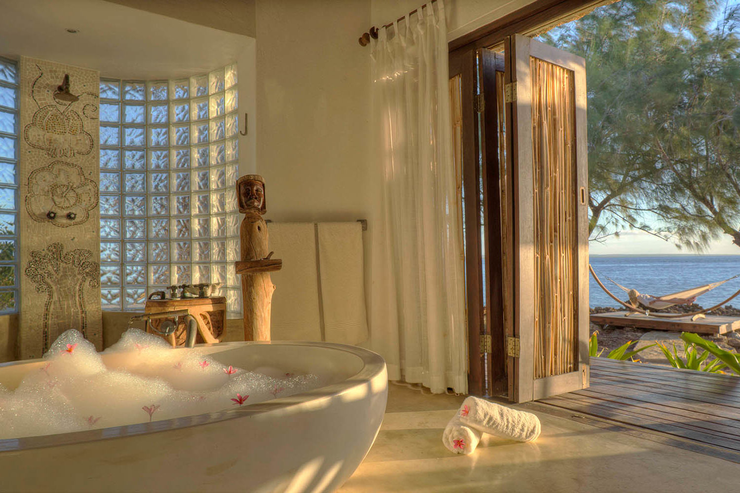 azura quilalea mozambique-lodges-zambia-in-style-quirimbas-archipelago-the-villas-view-with-bath