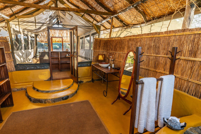 chongwe camp zambia-in-style-zambia-lodges-lower-zambezi-national-park-wildlife-photography