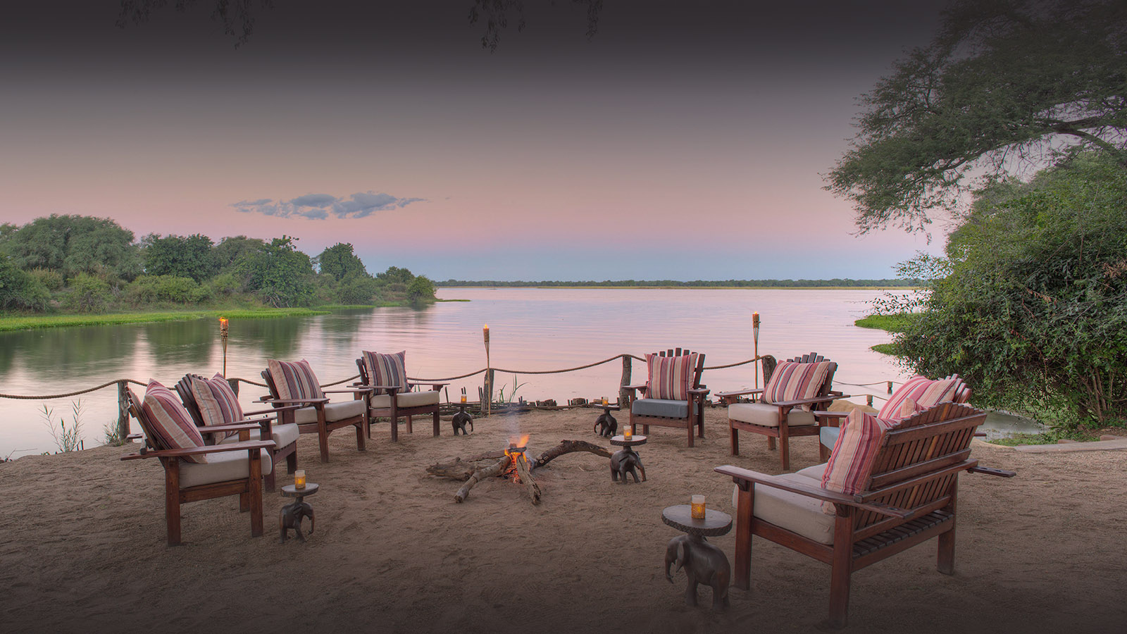 chongwe camp zambia-in-style-zambia-lodges-lower-zambezi-national-park-tents-wildlife-camp-fire
