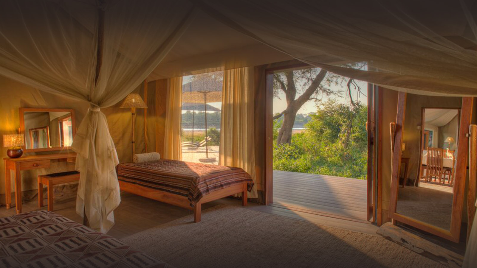 croc-nest-bedroom-flatdogs-zambia-in-style-south-luangwa-national-park