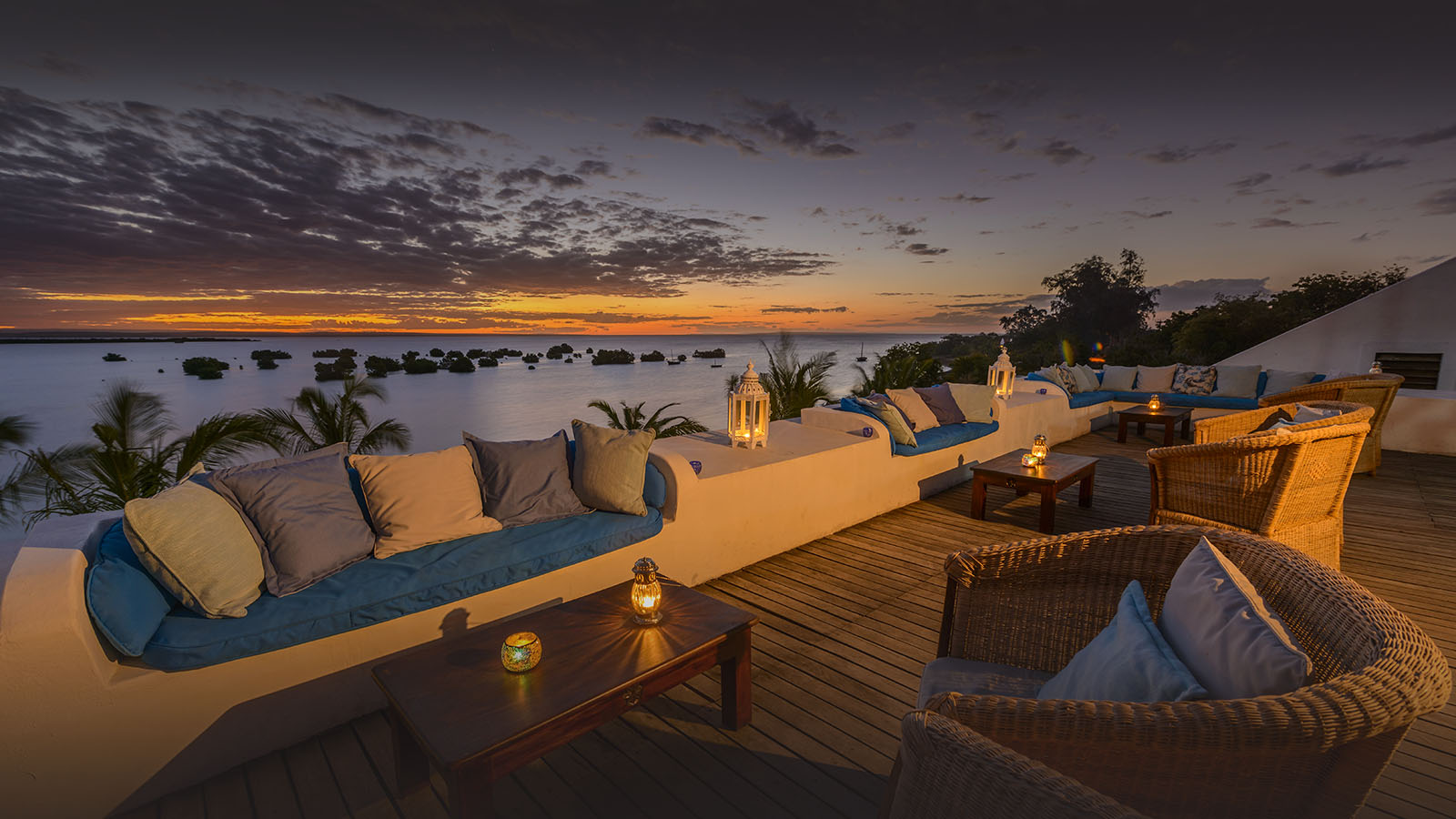 ibo island mozambique-lodges-zambia-in-style-island-quirimbas-archipelago-sky-bar-ilsand-lodge