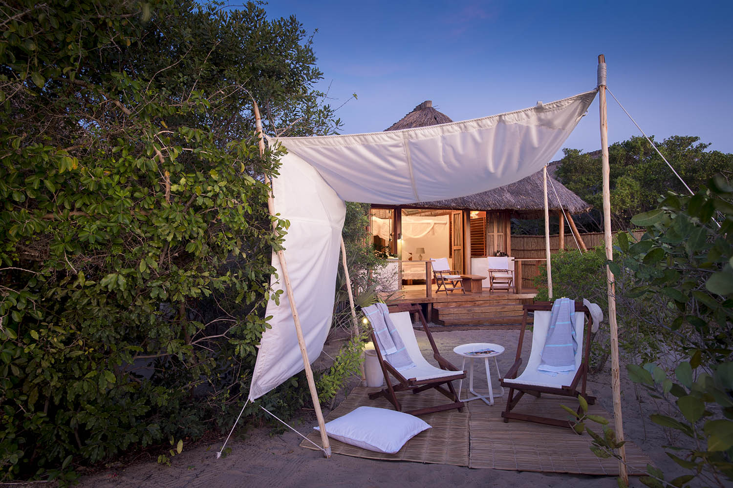 rio azul mozambique-lodges-zambia-in-style-vilanculos-luxurious-accommodation-exterior