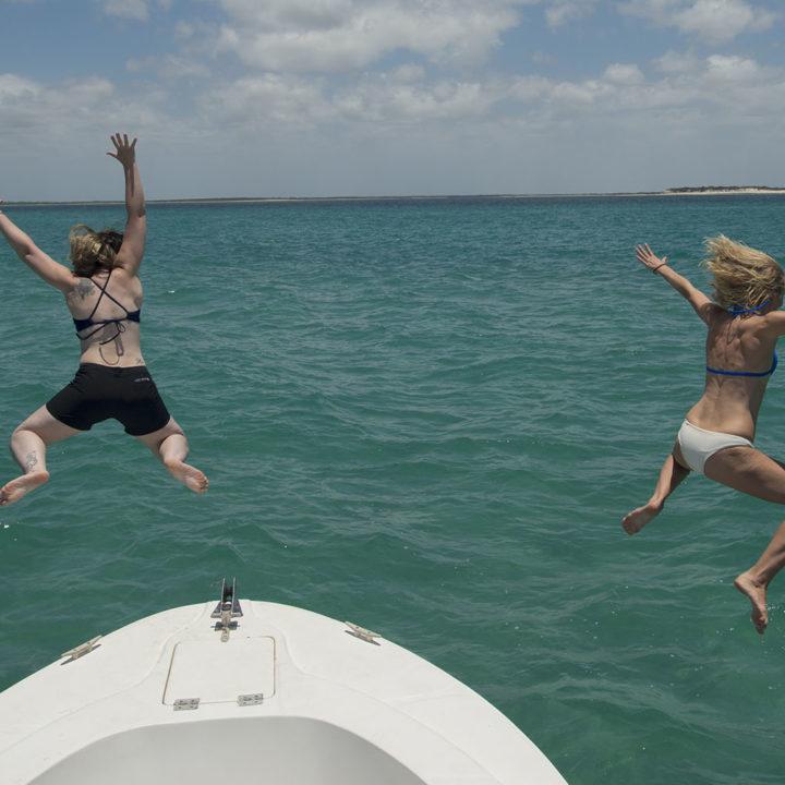 rio azul mozambique-lodges-zambia-in-style-vilanculos-paradise-luxury-accommodation-swimming-boat