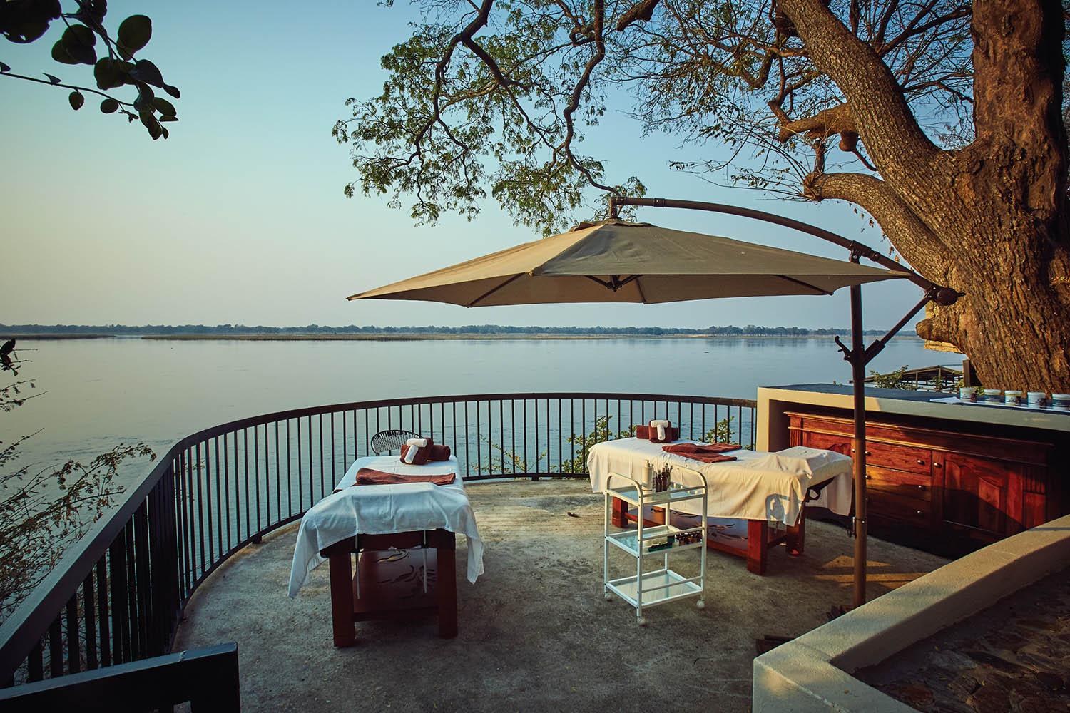 zambezi grande zambia-in-style-lower-zambezi-national-park-modern-lodge-wellness-spa