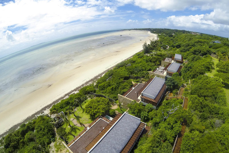 bahia-mar-mozambique-lodges-vilanculos-zambia-in-style-beach-house-aerial-views