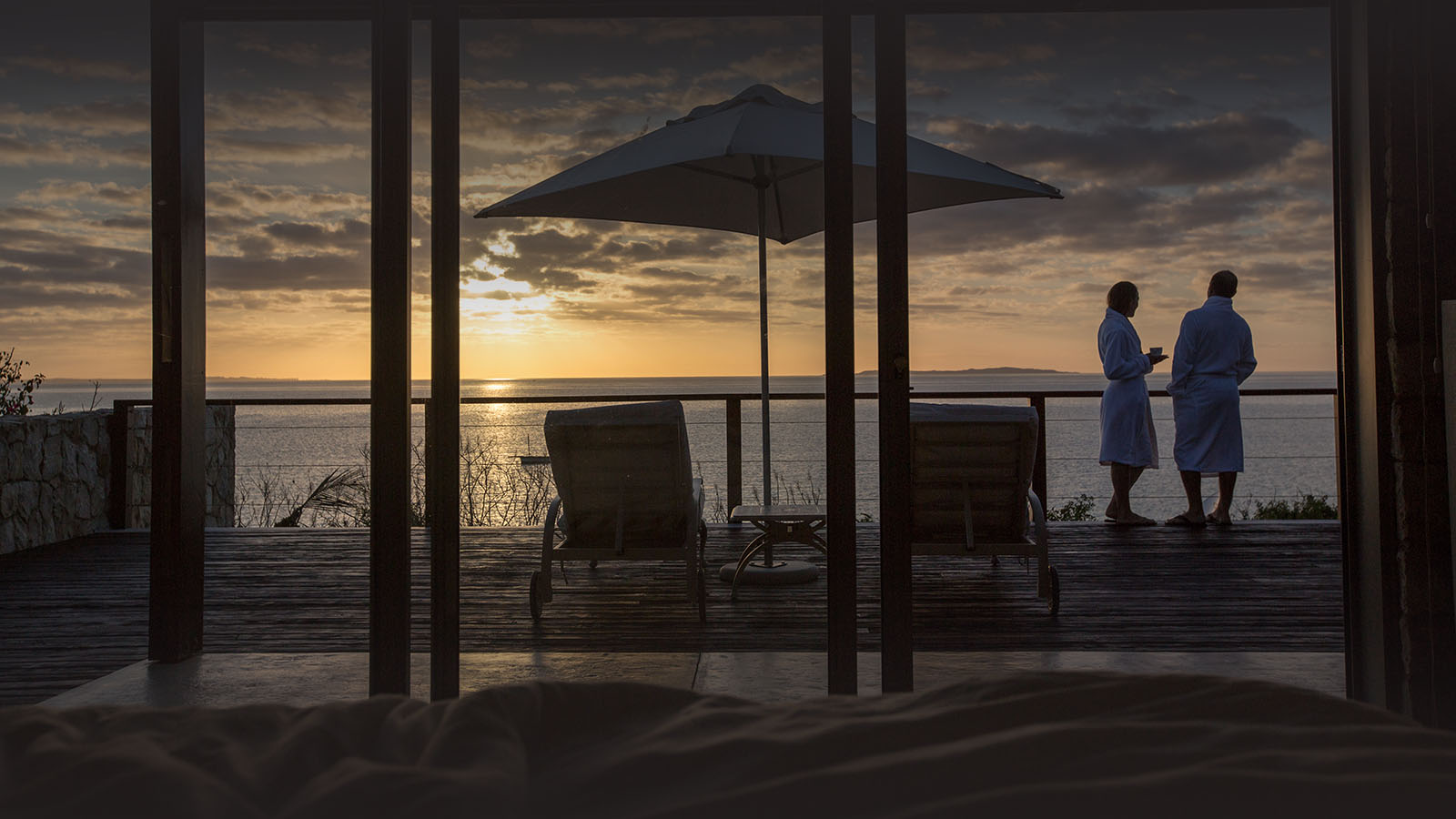 bahia-mar-mozambique-lodges-vilanculos-zambia-in-style-beach-house-luxury-destination-evening-view
