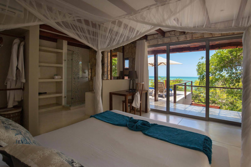 bahia-mar-mozambique-lodges-vilanculos-zambia-in-style-beach-house-room-bed