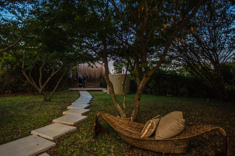 bahia-mar-mozambique-lodges-vilanculos-zambia-in-style-beach-house-ultimate-luxury-destination-walkway