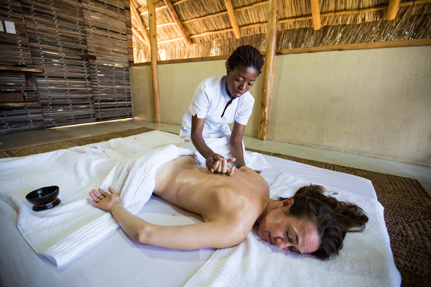 bahia-mar-mozambique-lodges-vilanculos-zambia-in-style-relaxing-spa-treatment