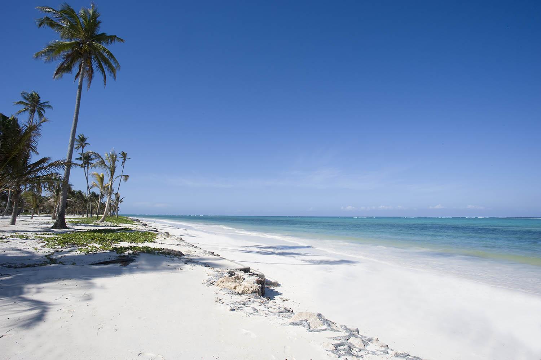 baraza-tanzania-lodges-zanzibar-zambia-in-style-pristine-bwejuu-beach