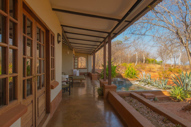 stanley safari lodge livingstone-lodges-zambia-in-style-suites-cottages-trees