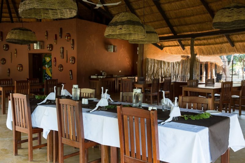thornicroft lodge south-luangwa-mfuwe-area-zambia-in-style-dining-room