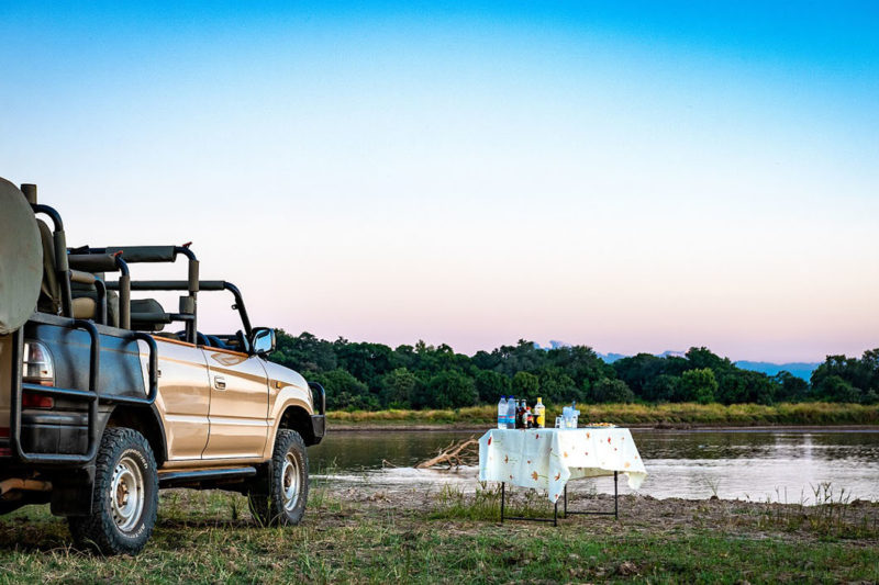 thornicroft lodge south-luangwa-mfuwe-area-zambia-in-style-location-sundowner-game-drives