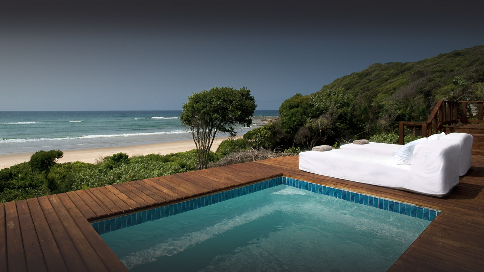 white-pearl resort mozambique-lodges-zitundo-zambia-in-style-private-beach-exclusive-location-plunge-pool-deck-views