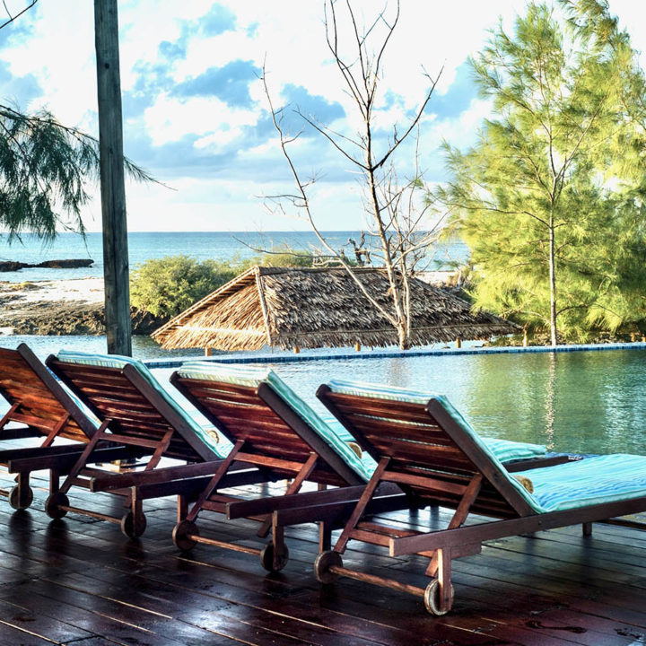 coral lodge nampula-province-mozambique-lodges-zambia-in-style-villas-pool-loungers