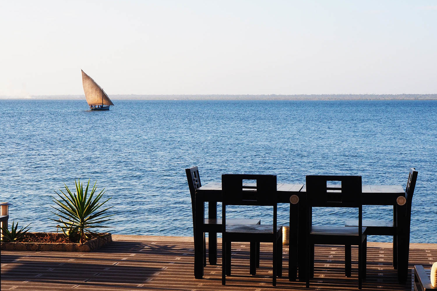 feitoria boutique hotel ilha-de-mozambique-lodges-zambia-in-style-views-of-the-bay-boat