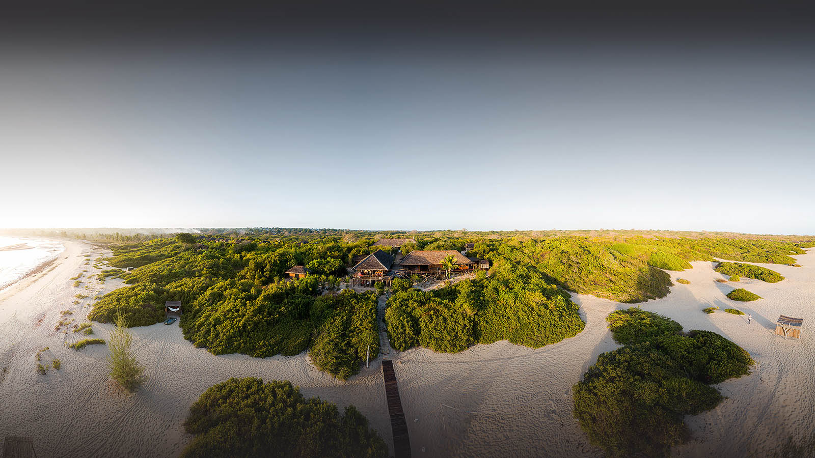nuarro lodge nampula-province-mozambique-lodges-zambia-in-style-rustic-remote-getaway-lodge