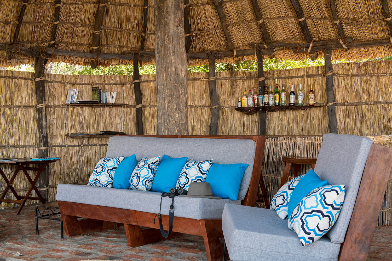 takwela-camp-north-luangwa-national-park-lodges-zambia-in-style-interiors