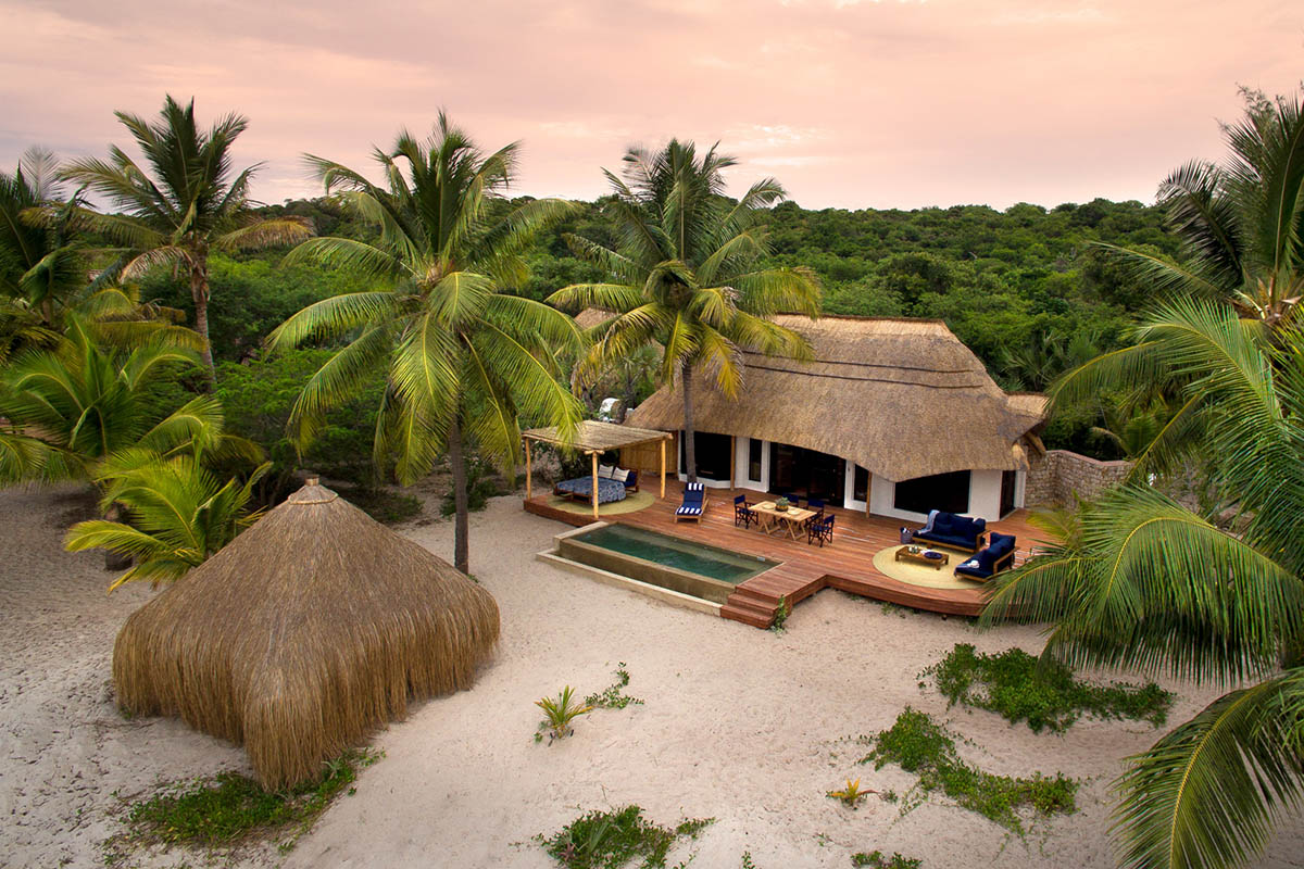 benguerra lodge mozambique-lodges-zambia-in-style-benguerra-island-aerial-view-andBeyond