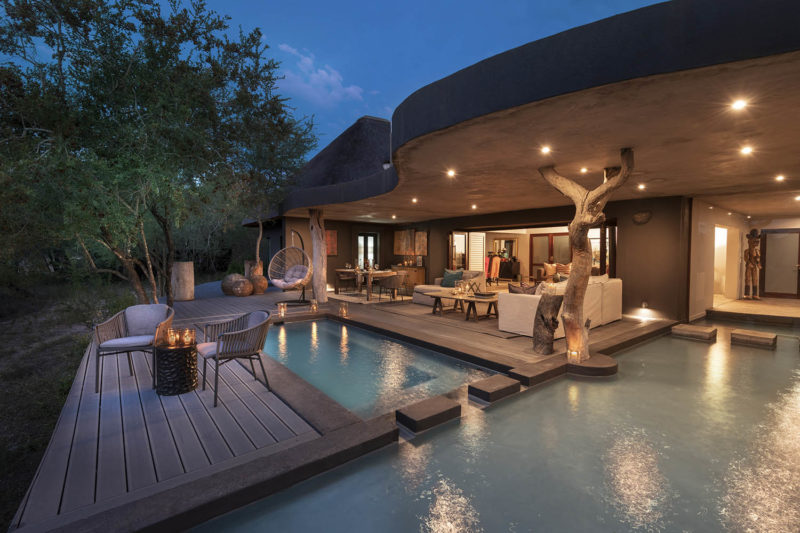 chitwa chitwa sabi-sands-lodges-greater-kruger-zambia-in-style-south-africa-rooms-chitwa-house-pool-area