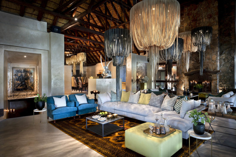 chitwa chitwa sabi-sands-lodges-greater-kruger-zambia-in-style-south-africa-stylish-luxurious-central-lounge-area