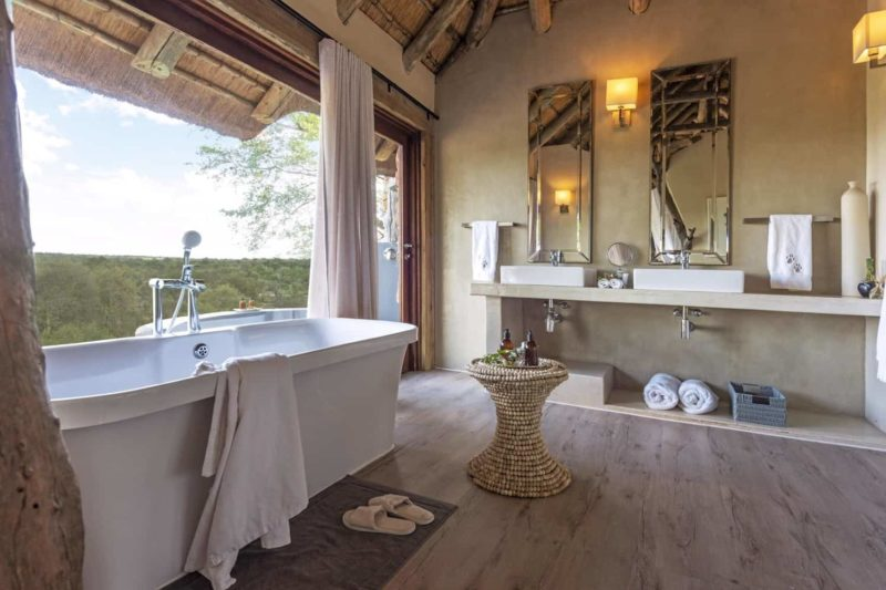 leopard hills sabi-sands-lodges-greater-kruger-zambia-in-style-south-africa-rooms-suite-bath