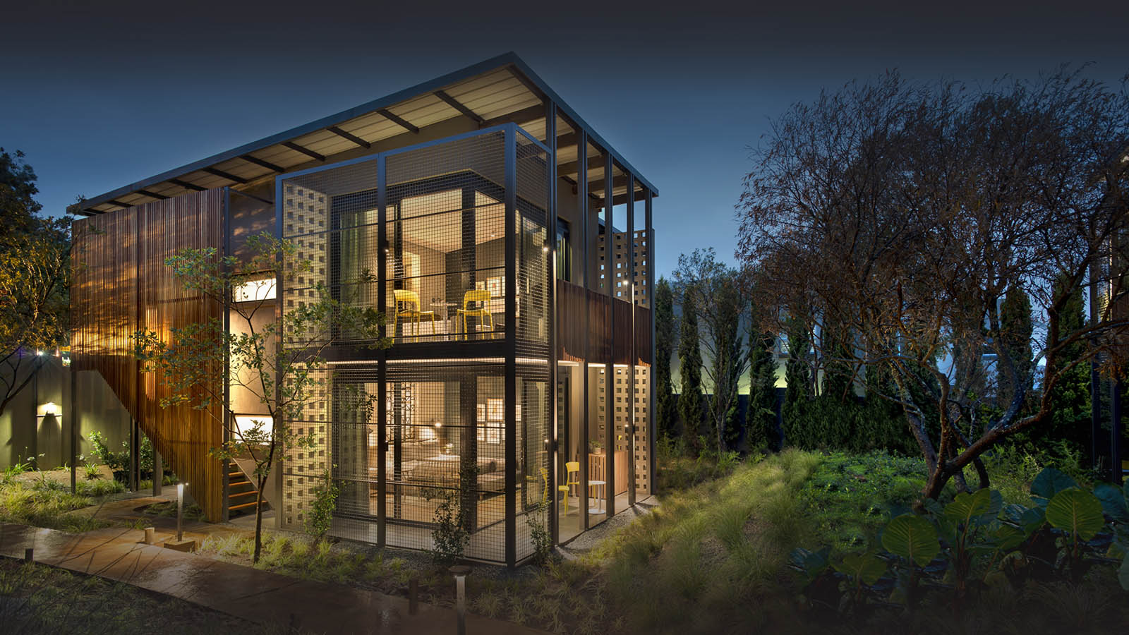 the peech boutique-hotel-melrose-johannesburg-lodges-zambia-in-style-south-africa-unique-eveing-view-exterior
