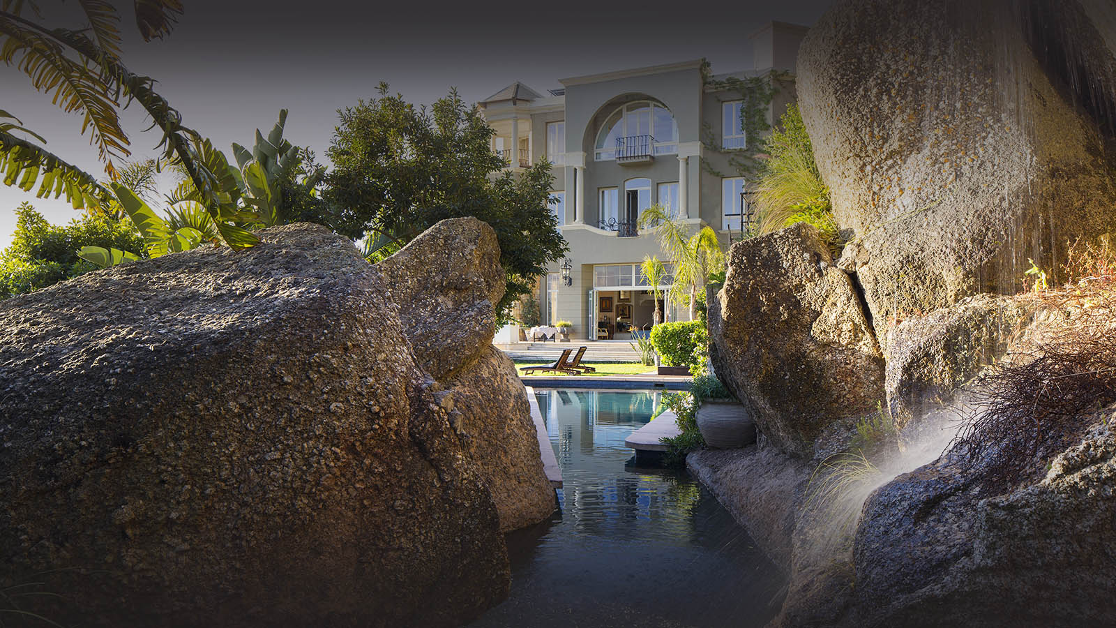 21 nettleton hotel-camps-bay-cape-town-lodges-zambia-in-style-south-africa-luxurious-romantic-getaway-pool