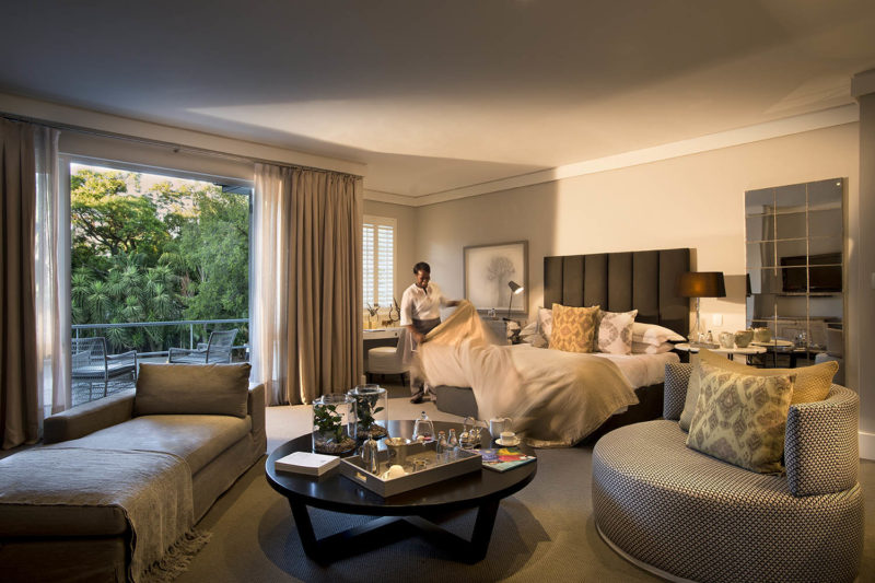 atholplace johannesburg-lodges-zambia-in-style-south-africa-modern-hotel-room