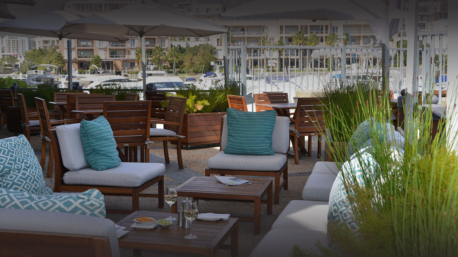cape grace hotel-cape-town-lodges-zambia-in-style-south-africa-elegant-atmosphere-gorgeous-views-bar