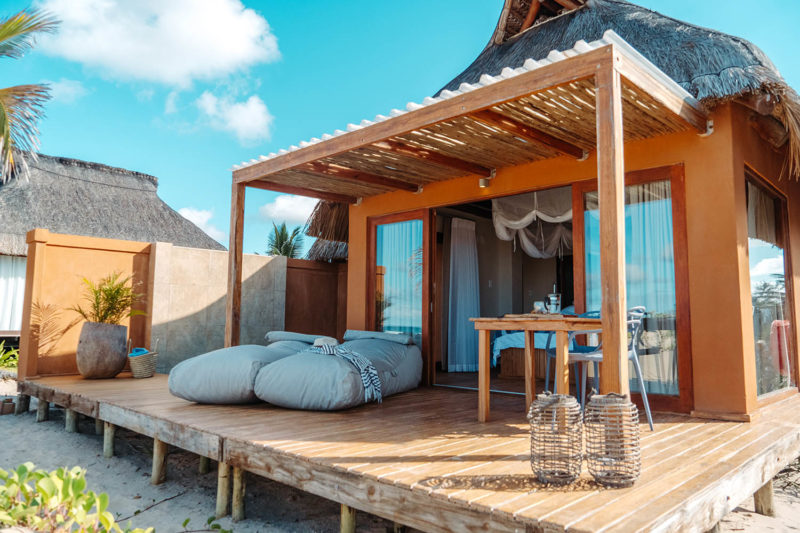 eclectic beach retreat tofo-mozambique-lodges-zambia-in-style-suites-deck