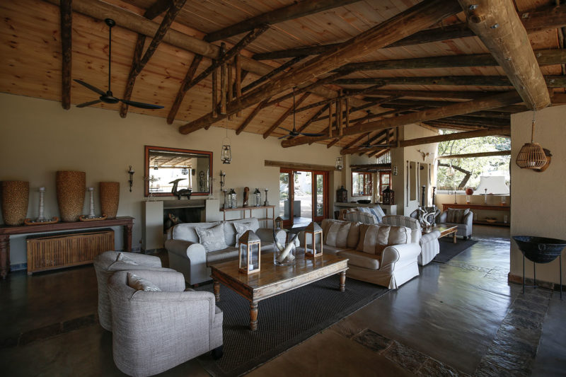 notten's bush camp greater-kruger-lodges-zambia-in-style-south-africa-sabi-sands-lounge