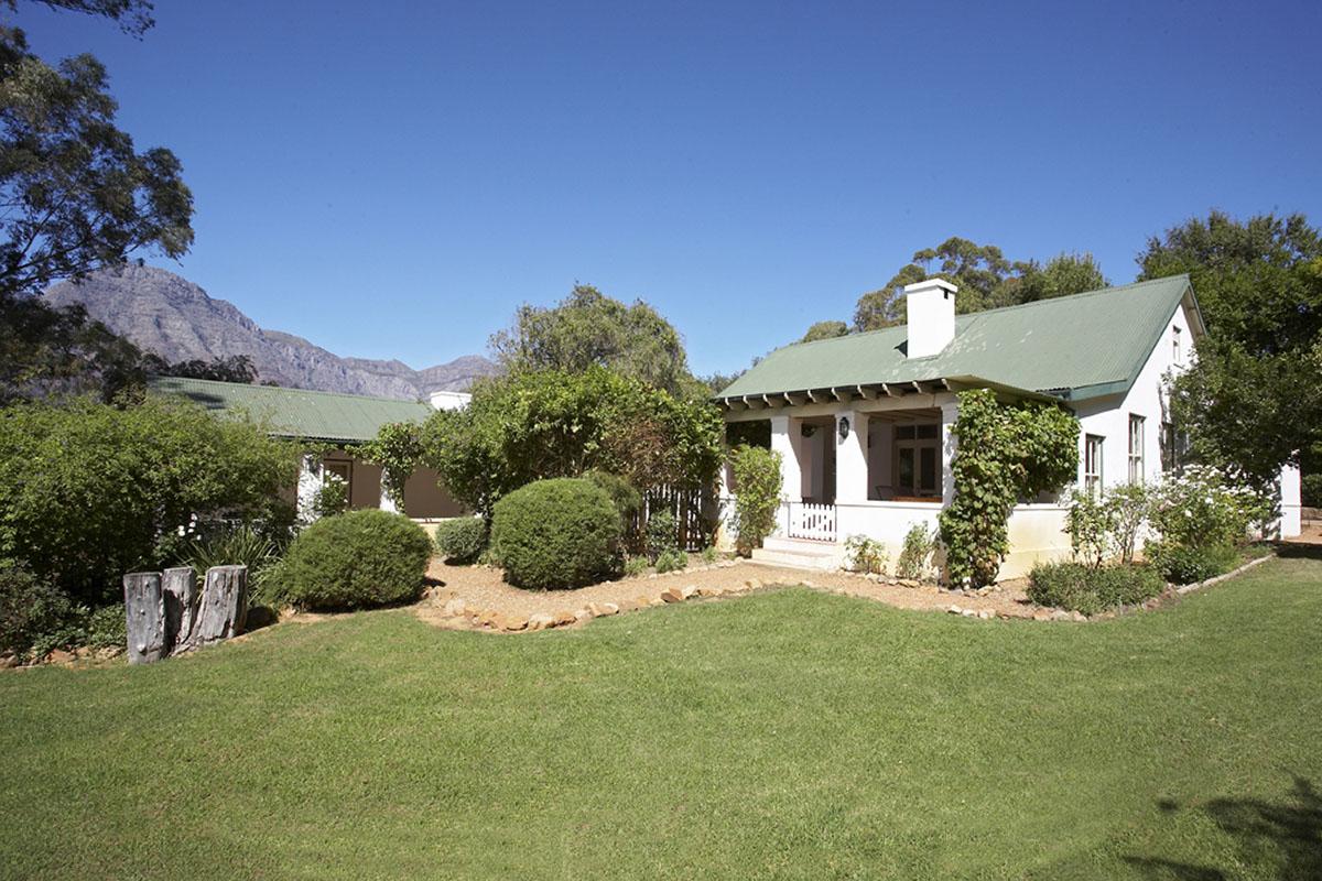 bartholomeus klip farmhouse winelands-lodges-south-africa-accommodation-zambia-in-style