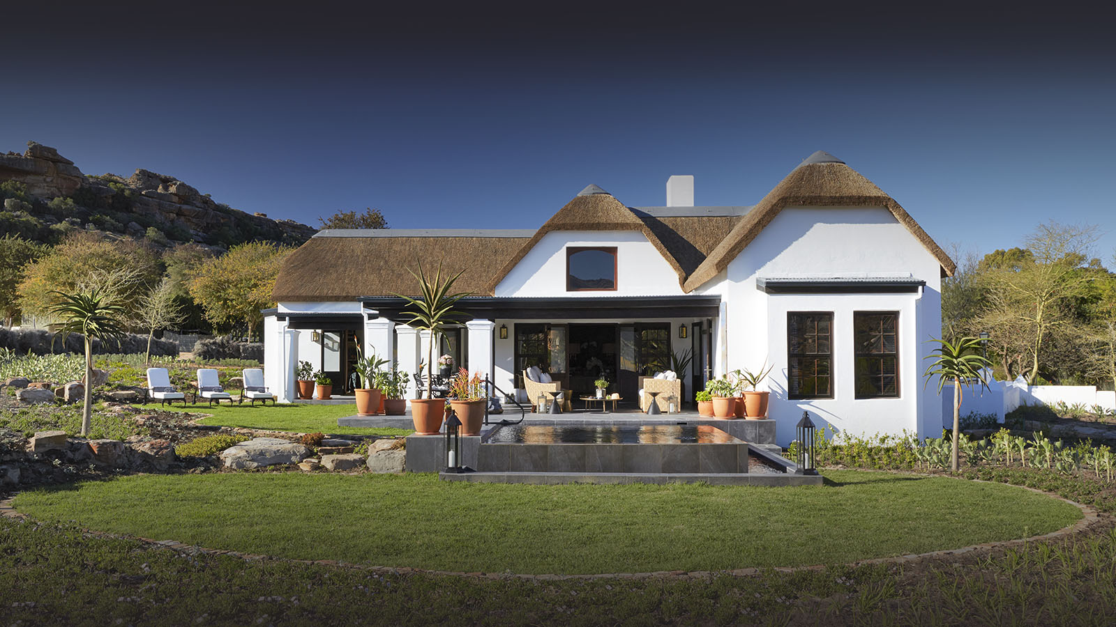 bushmans kloof winelands-lodges-south-africa-accommodation-zambia-in-style-cederberg-mountains-african-wilderness-ancient-artwork-house