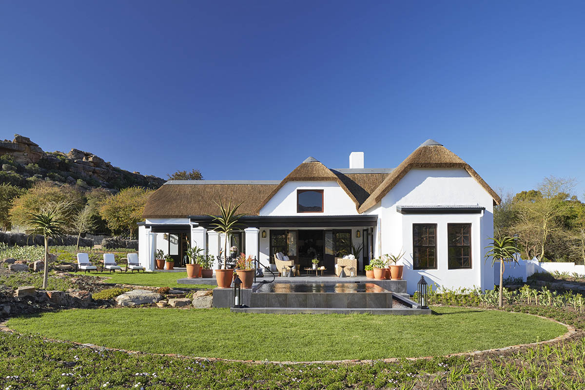 bushmans kloof winelands-lodges-south-africa-accommodation-zambia-in-style-cederberg-mountains