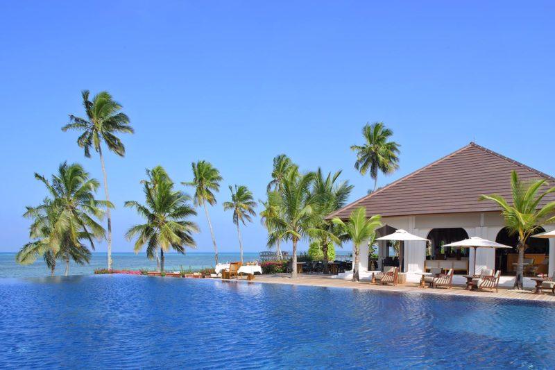 the residence south-of-zanzibar–kizimkazi-lodges-zambia-in-style-tanzania-pool-by-day
