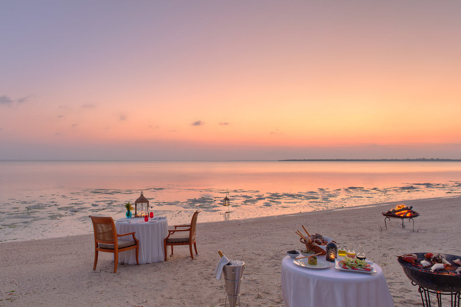 the residence south-of-zanzibar–kizimkazi-lodges-zambia-in-style-tanzania-private-dining-jetty-lounge-bar