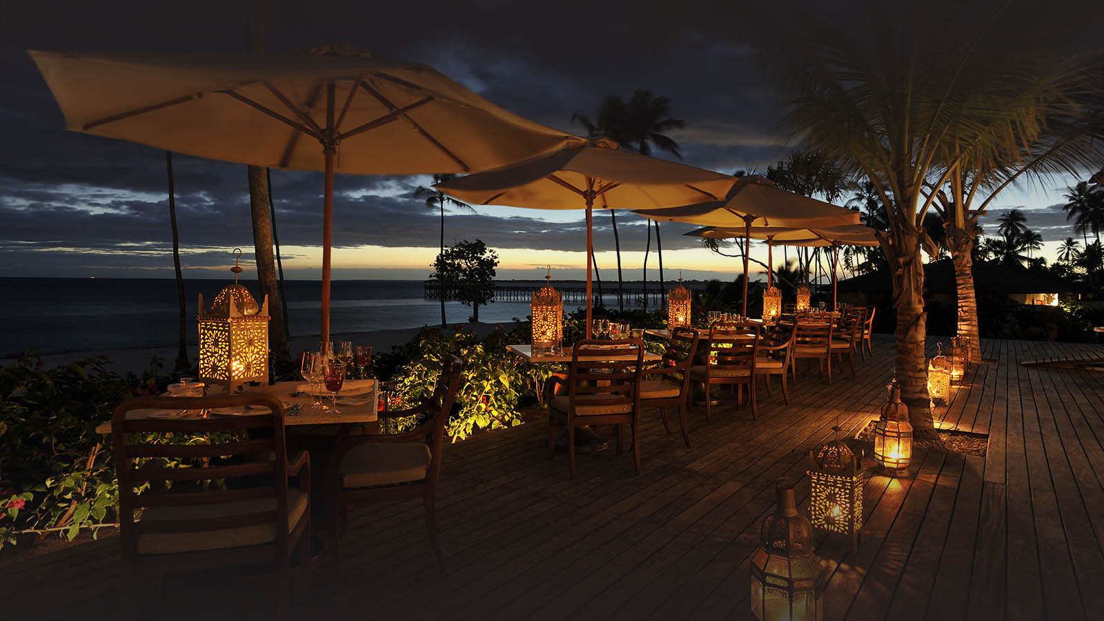the residence south-of-zanzibar–kizimkazi-lodges-zambia-in-style-tanzania-stunningly-picturesque-island-evening-dining