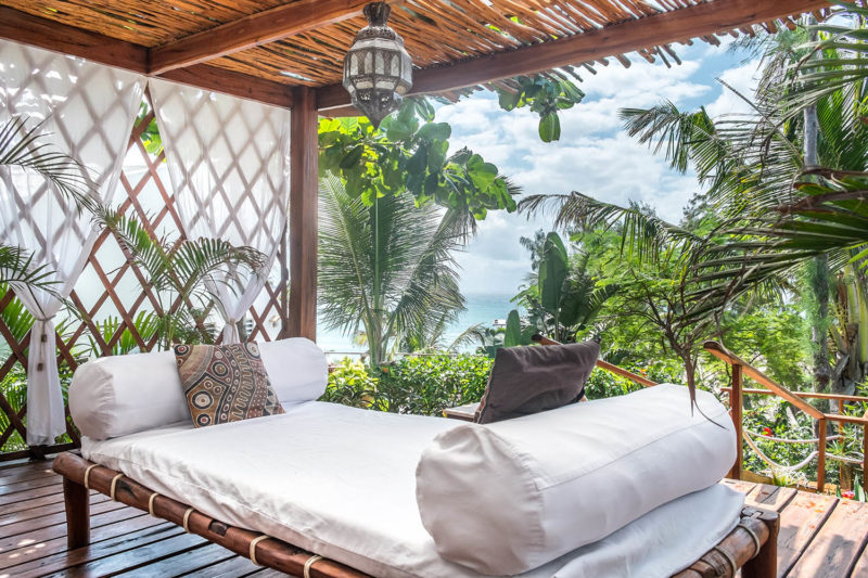 baia sonambula guest-house-tofo-mozambique-lodges-zambia-in-style-cute-clean-rooms-outside-bed