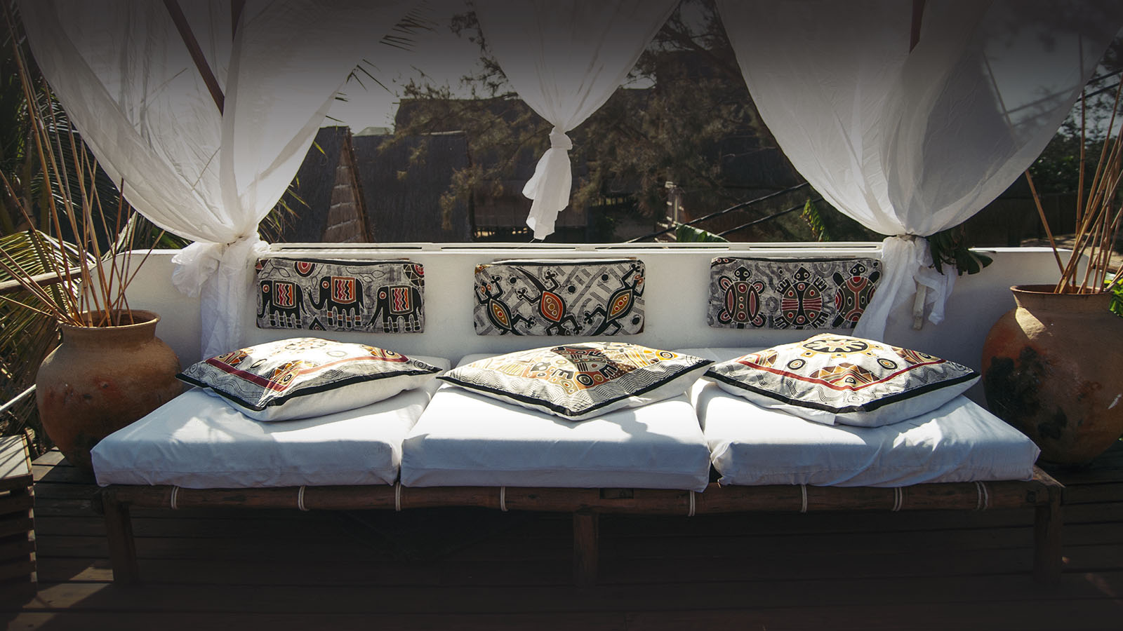 baia sonambula guest-house-tofo-mozambique-lodges-zambia-in-style-diving-enthusiast-bed