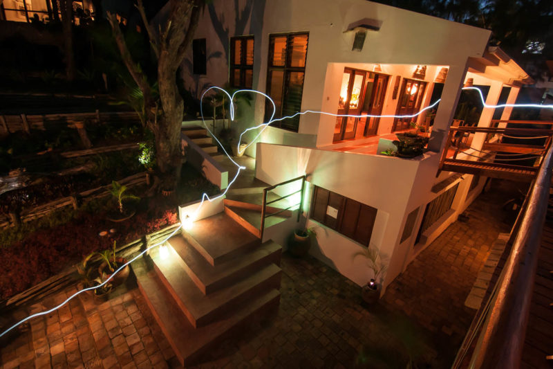 baia sonambula guest-house-tofo-mozambique-lodges-zambia-in-style-small-and-intimate-entrance
