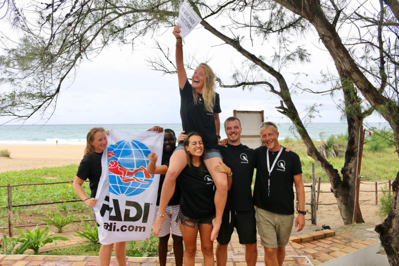 liquid dive adventures tofo-mozambique-lodges-zambia-in-style-scuba-diving-dive-instructors